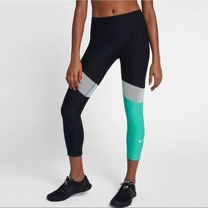 NWT Nike Crop Length Fit Leggings